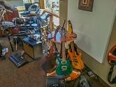carousel crowded music room3
